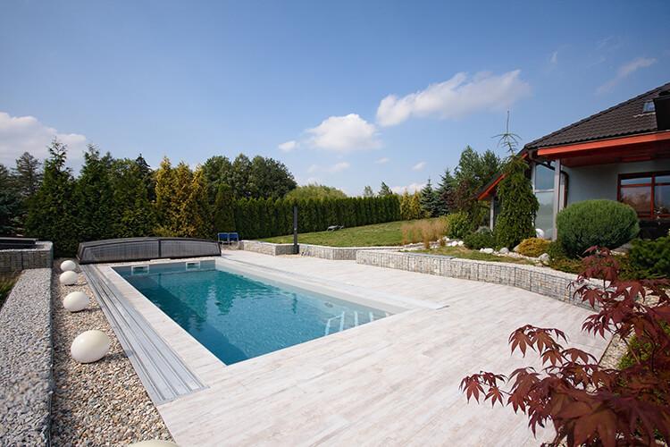 Bílek vnější bazén