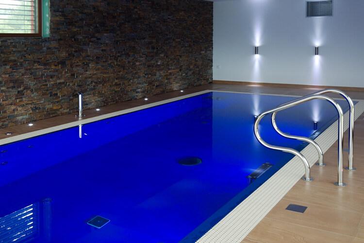 Bílek vnitřní bazén