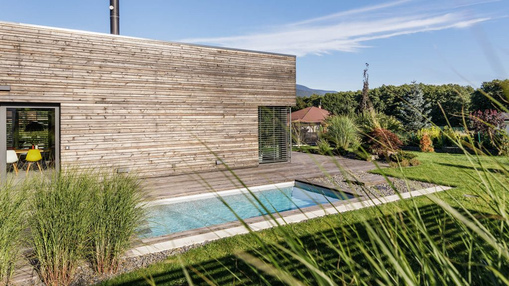 Bazény Bílek - Luxusní zapuštěný bazén z těžké fólie u moderní stavby