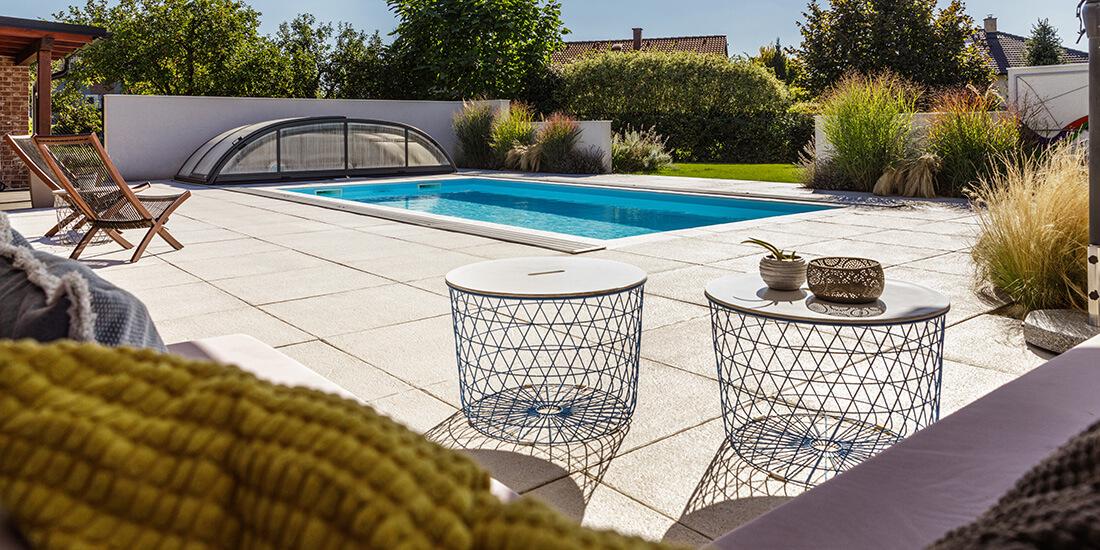 Bazény Bílek - Luxusní zapuštěný bazén z těžké fólie se zahradním posezením